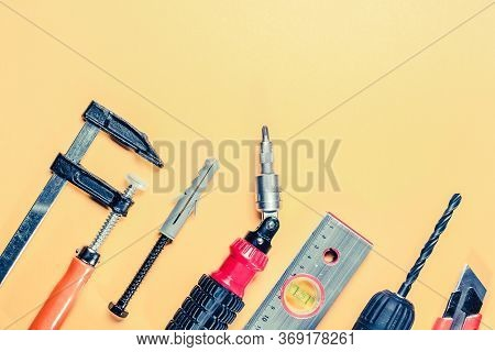 Clamp, Self-tapping Screw With Dowel, Screwdriver, Building Level And Drill Chuck With Black Drill O