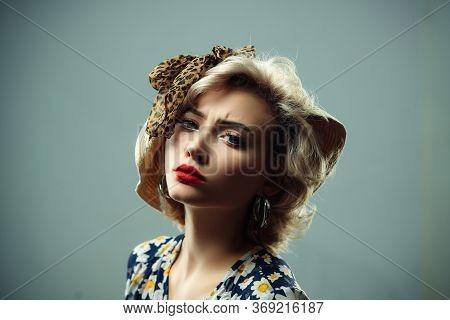 Pinup Woman Portrait. Retro Vintage Beauty Girl. Pin Up Girl. Retro Woman. Woman With Red Lips. Beau
