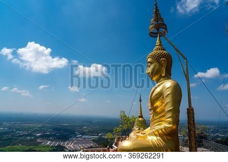 The Big Buddha Wat Tham Seua Tiger Cave Temple In Krabi -the Free Of Charge Tourist Attraction