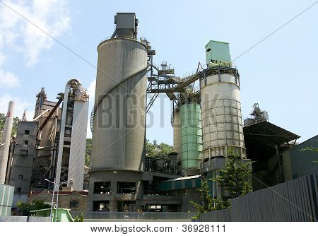 Silos and machinery