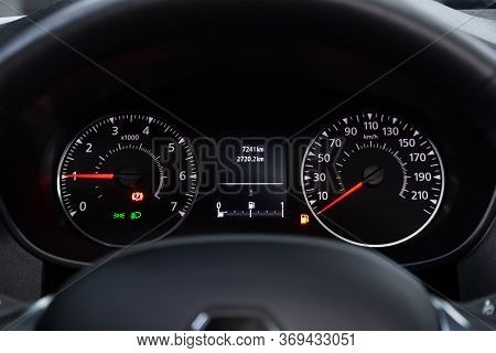 Novosibirsk/ Russia - May 25, 2020: Renault Arkana,round Speedometer, Odometer With A Range Of 7 Tho