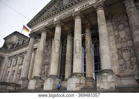 Berlin, Germany - September 17 : German People And Foreign Travelers Travel Visit In Dem Deutschen V