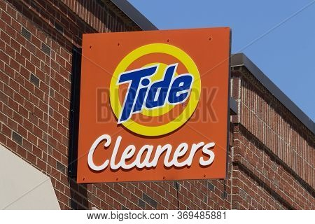 Indianapolis - Circa June 2020: Tide Dry Cleaners Laundry Location. Tide Has Created A Professional