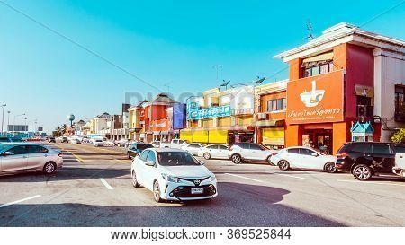 Chachoengsao/thailand-november 23,2019: View Of The Good Place For Tourists When Want To Find Some D