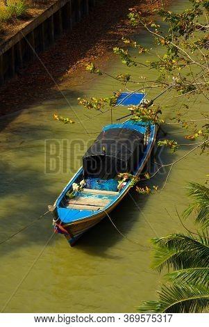 Koh Lanta, Thailand - January, 2014: Fishing Boat On The Andaman Sea On Koh Lanta, Thailand
