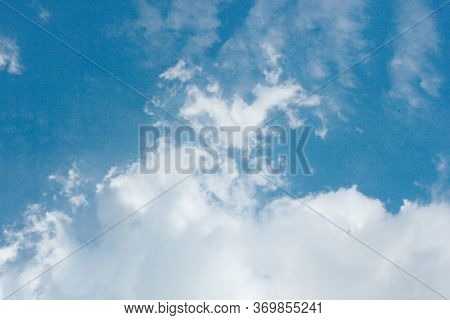Beautiful Photos Of The Blue Sky On A Clear Day With Clean White Clouds, A Combination Of Blue And W
