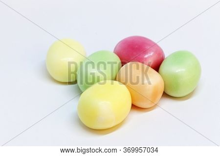 Candies That Are Fruity And Tough In Different Colors