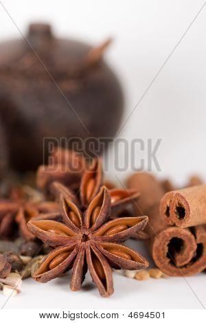 Spices & Wooden Jar