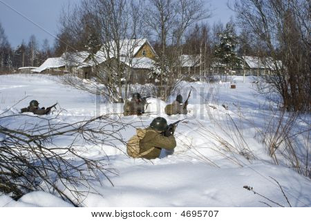 Soviet-finnish War 1939-1940:  Red Army Soldiers Shoots