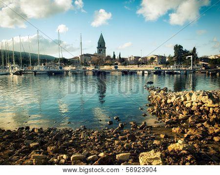 Osor Port