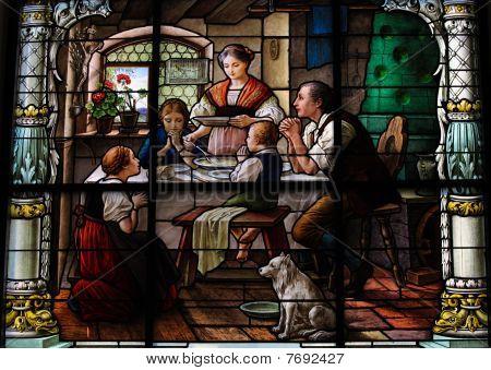 Saying Grace -family Dinner