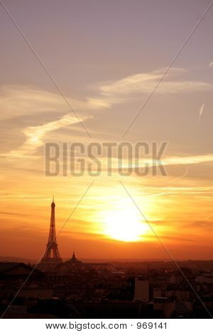 Paris Effel Neighborhood At Sunset