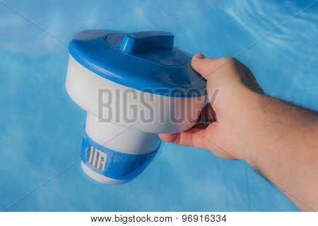 Distributor Float For Chlorine