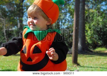 Pumpkin Face On The Run