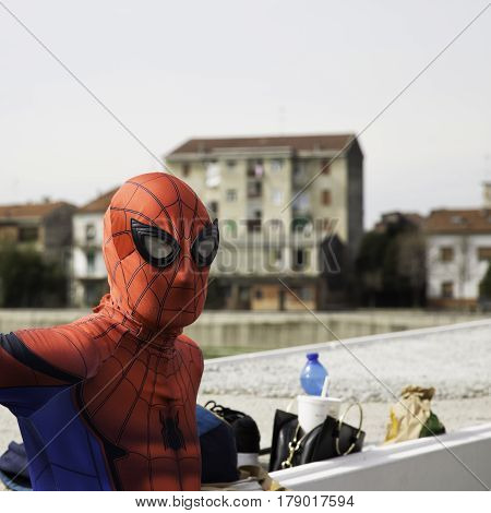 Alecomics Cosplayers For Commercial, Spiderman Mask