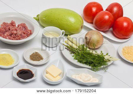 Stuffed tomatoes preparation : Ingredients to prepare stuffed tomatoes