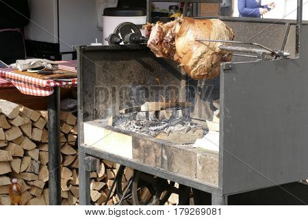 Outdoog Big Barbecue Stand With Grilled Meat