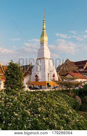 Wat Pratat Choeng Chum It is a major temple and sacred religious monument