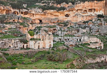 Ginosa, Taranto, Puglia, Italy: landscape of the old town with the ancient cave houses carved into the tufa rock