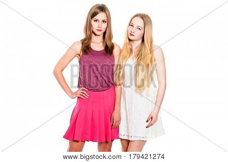 Couple women - brown hair against the blonde