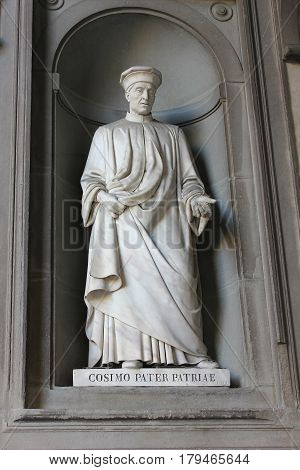 FLORENCE, ITALY - January 20, 2016: statue of Cosimo de Medici Pater Patriae (Father of the Nation) on facade of Uffizi Gallery, Florence, Italy