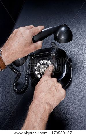 Using And Dialing A Vintage Telephone