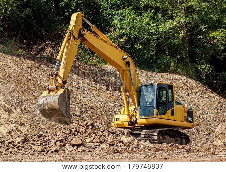 The Heavy excavator construction truck, Big machine