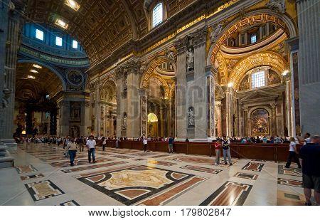 ROME - SEPTEMBER 30, 2012: Basilica di San Pietro (Saint Peter) in Vatican, Rome, Italy.