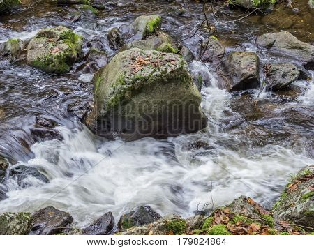 creek with running water