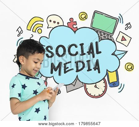 Connecting Social Media Communicationr