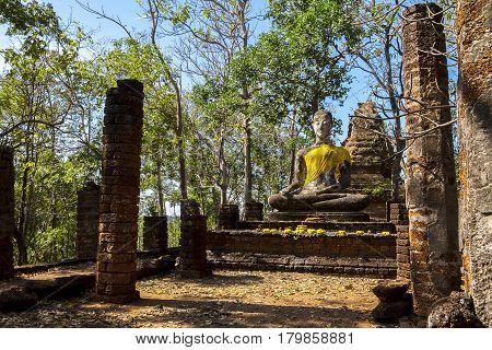 Wat Khao Phanom Phloeng old stature buddha in Sisatchanalai Historical Park Sukhothai province Thailand