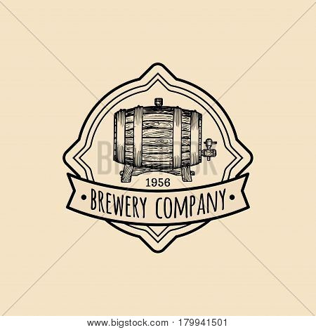 Kraft beer barrel logo. Old brewery icon. Hand sketched keg illustration. Vector vintage lager, ale label or badge