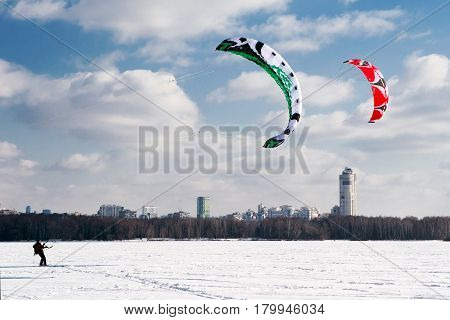 Kiteboarding on a frozen lake in Moscow