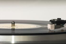 Gramophone Head