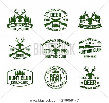 Set Of Outdoor Camping Badges With Deer Head And Guns. Isolated Signs With Antlers And Guns, Hunt Ri