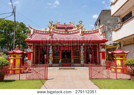 Manado, Indonesia - August 04 2015: Ban Hin Kiong, Taoist Temple At Jalan D.i. Panjaitan, Manado. It