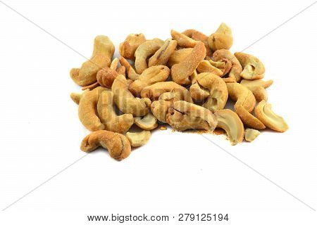 Cashew Nuts Isolated / Pile Of Cashew Nuts Roasted Crispy Cook Roasted Bean Baked Salt For Snack Dry