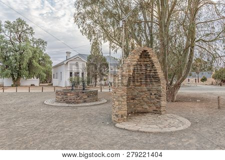 Carnavon, South Africa, September 1, 2018: A Monument, Consisting Of Half Of A Corbelled House And A