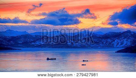 Sunset Over Vespers Petropavlovsk-kamchatsky On The Background Of The Avachinsky Bay - Kamchatka, Ru