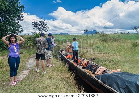 Canaima, Venezuela - August 16, 2015: Canoe On The River Carrao, Venezuela. It Is Used For Tours To