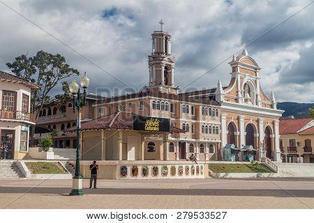 Loja, Ecuador - June 15, 2015: Plaza De La Independencia Square And Church Of San Sebastian In Loja,