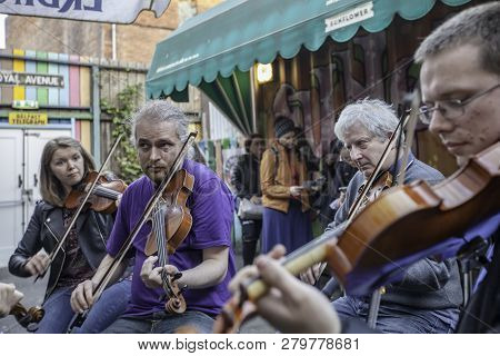 Traditional Music At The Sunflower Public House In Belfast