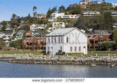 Tiburon, California, Usa - December 29, 2018 : View Of Tiburon Railroad & Ferry Depot Museum From Th