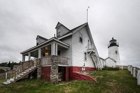Pemaquid Point Lighthouse Keepers House And Lighthouse In Background - Bristol, Maine, Usa