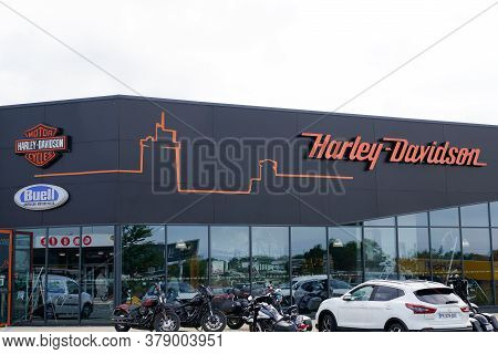 La Rochelle , Aquitaine / France - 07 25 2020 : Harley Davidson Logo And Text Sign On Shop Retailer