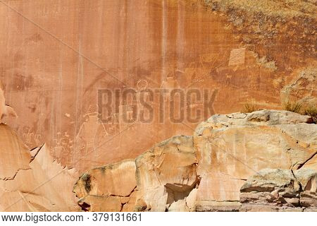 Ancient petroglyphs in the Capitol Reef National Park in Utah, USA
