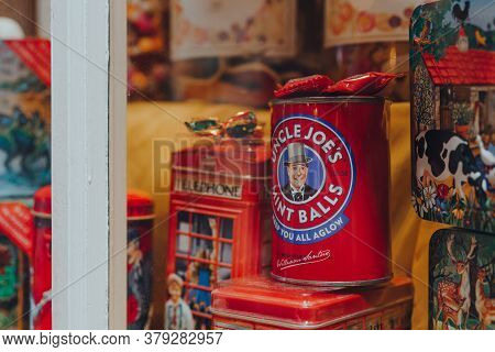 Broadway, Uk - July 07, 2020: Retro Jars With Cookies And Candy In A Window Of A Shop In Broadway, A