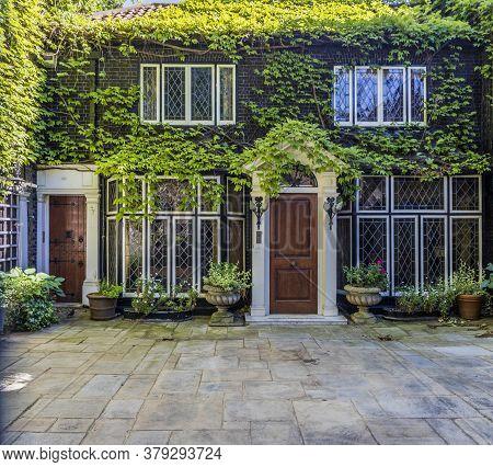 June 2020 London. Beautiful House, Mayfair, London, England United Kindom Europe