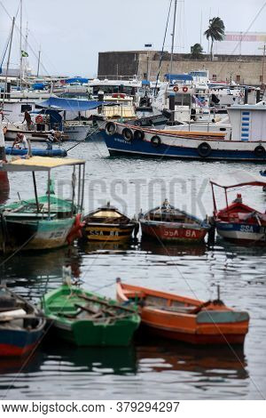 Salvador, Bahia / Brazil - May 23, 2015: Boats Are Seen In The Waters Of The Bay Of Todos Dos Santos