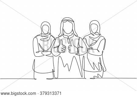 One Continuous Line Drawing Of Young Muslim Business Team Members Lining Up While Give Thumb Up Gest